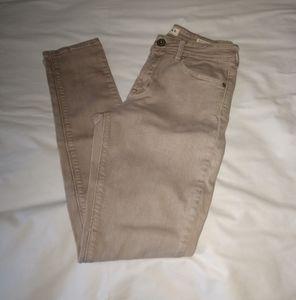 Bullhead pants.